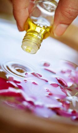 oils_pour